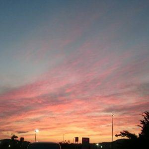 今日の空はピンク色に染まってました💗